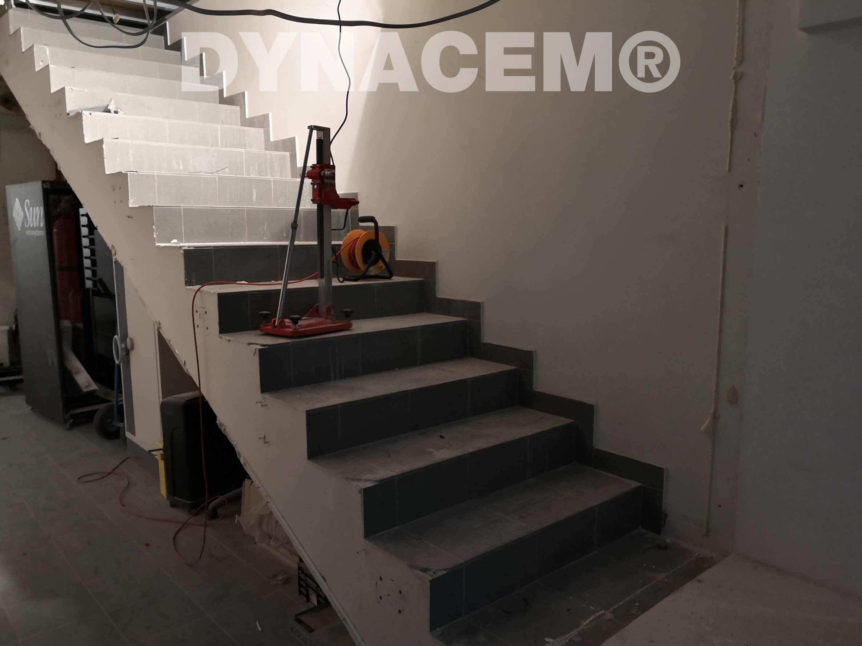 Casser Un Escalier Beton salut. nous utilisons souvent dynacem pour des projets de