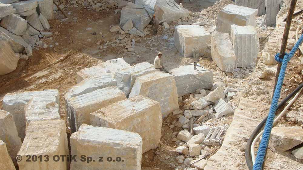 Non-Explosive Marble Stone Blocks Quarrying and Splitting